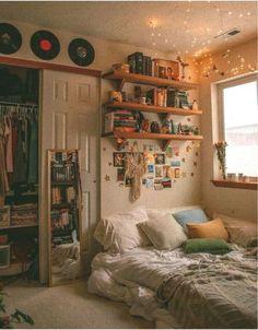 Chill Room, Cozy Room, Retro Room, Vintage Room, Bedroom Vintage, Room Ideas Bedroom, Bedroom Decor, Bedroom Inspo, Teen Bedroom