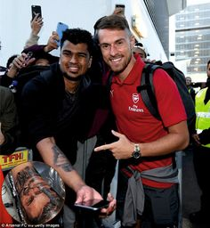 FOW 24 NEWS: Arsenal Best Player Aaron Ramsey Meets Sydney Supe...