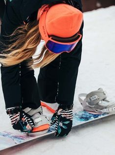Snowboarding Style, Snowboarding Women, Winter Hiking, Winter Fun, Snowboard Girl, Roxy, Ski Girl, Winter Photography, Fun Winter Activities