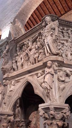 La navata col pulpito di Giovanni Pisano - chiesa di sant'andrea pistoia