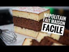 Red Velvet Cake Cheesecake (Video) - Sweet and Savory Meals Galette Des Rois Recipe, Cake Factory, Ice Cream Candy, Fun Desserts, Biscuits, Vanilla Cake, Tiramisu, Cheesecake, Oven