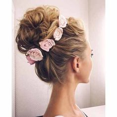 #messybun #flowers #hair