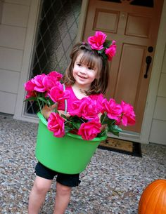 Super Cute Flower Pot Girl Costume Tutorial!  How adorable is this costume?!  #Halloween #costume #homemade