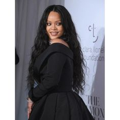 Rihanna Photos Photos: Rihanna's Annual Diamond Ball Benefitting the Clara Lionel Foundation at Cipriani Wall Street - Arrivals Rihanna Long Hair, Looks Rihanna, Mode Rihanna, Rihanna Style, Rihanna Riri, Celebrity Hairstyles, Curly Hairstyles, Black Women Hairstyles, Lace Front Wigs