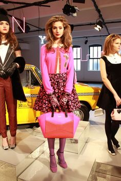 looking pretty in pink at kate spade fall 2013 {love the skirt shape and the oversize bag}