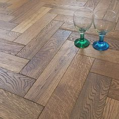 The super durable Herringbone Parquet Cubano Oak Brushed Matt Lacquer Flooring offers extraordinary value for money. Engineered Parquet Flooring, Wood Laminate Flooring, Wide Plank Flooring, Best Flooring, Stone Flooring, Hardwood Floors, Planks, Open Plan Kitchen Diner, Herringbone