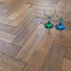 The super durable Herringbone Parquet Cubano Oak Brushed Matt Lacquer Flooring offers extraordinary value for money. Oak Parquet Flooring, Wide Plank Flooring, Engineered Wood Floors, Best Flooring, Stone Flooring, Wooden Flooring, Kitchen Flooring, Hardwood Floors, Bungalow Renovation