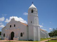 Iglesia de Santa Ana, el primer templo construido en Venezuela, en 1531 en la Ciudad de Coro.