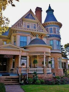 Victorian Home. I love a Victorian home and all the nooks and crannies. My dream home! Love love love this style of house! Victorian Architecture, Beautiful Architecture, Beautiful Buildings, Beautiful Homes, Victorian Style Homes, Victorian Houses, Victorian Era, Victorian Photos, Historic Homes