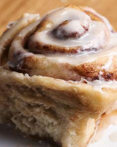 Healthy Dessert Recipes-The Best Ever Vegan Cinnamon Rolls Recipe by Tasty Vegan Treats, Vegan Foods, Vegan Dishes, Dessert Sans Gluten, Healthy Dessert Recipes, Vegan Brunch Recipes, Best Vegan Desserts, Best Vegan Recipes, Healthy Cookies