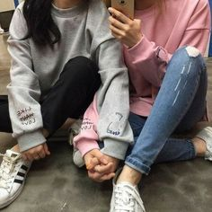 Image about girl in Lesbian Love by Metschgi on We Heart It Cute Lesbian Couples, Lesbian Love, Cute Couples Goals, Bff Pictures, Best Friend Pictures, Friend Photos, Girlfriend Goals, Gay Aesthetic, Girl Couple