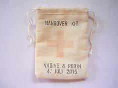 ♥ 10 Gastgeschenke HANGOVER KIT ♥   von Malika-Shop auf DaWanda.com