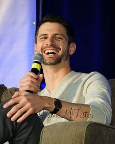 James Lafferty at the Q&A on Sunday. Haley James Scott, Nathan Haley, Nathan Scott, James Martin, James Lafferty, Wilmington Nc, One Tree Hill, The Cw, Thick Hair