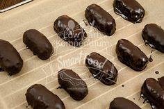 Das Low Carb Bountys frisch mit Schokolade überzogen