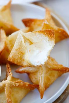 The best, easiest and super crispy crab rangoon or cream cheese wonton recipe EVER. Quick, fool-proof and a zillion times better than Chinese takeout!!   rasamalaysia.com