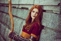 Ginny Weasley from Harry Potter Cosplay - MeinesTube Gina Harry Potter, Harry Potter Hoodie, Weasley Harry Potter, Harry Potter Goblet, Harry Potter Bellatrix Lestrange, Harry And Ginny, Harry Potter Quidditch, Harry Potter Cosplay, Harry Potter Anime