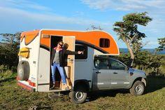 Kamperen in Patagonië is reizen in ultieme vrijheid, maar betekent ook slapen in dezelfde temperatuur als in de buitenlucht. Wees voorbereid op steenkoude nachten. Daar krijg je natuurlijk wel een avontuur voor terug. Recreational Vehicles, Wees, Camping, Patagonia, Campsite, Camper, Campers, Tent Camping, Rv Camping