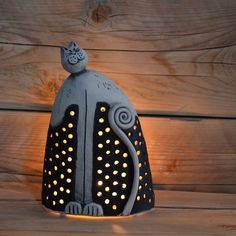 Cat lantern :: could use technique to create a cat sitting on the moon/among the stars