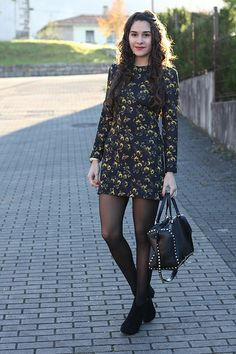 Chic Outfits, Fashion Outfits, Womens Fashion, Look Oxford, Tight Dresses, Girls Dresses, Boho Fashion Winter, Moda Retro, Sexy Legs And Heels