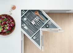 The SPACE CORNER cabinet gives you easy-to-access corner storage space for provisions. The spacious pull-outs make use of every inch available. Corner Drawers, Corner Storage, Smart Storage, Kitchen Storage, Storage Spaces, Kitchen Utensils, Kitchen Organisation, Creative Storage, Kitchen Drawers