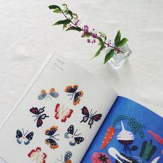 9月5日に発売です。 ちなみに9月は蝶々や野菜など、、、 amazon.jpでは、中身10ページ程見ることができますよ✨ #embroidery #刺繍 #樋口愉美子のステッチ12ヶ月 #文化出版局