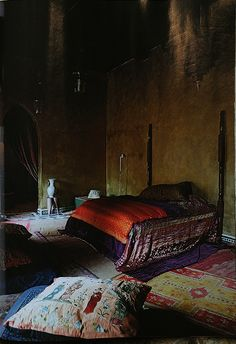Italian Vogue Editor's riad in Morocco. AD Spain June 2011. Photo Ivan Terestchenko Riads are spare not with the over the top clutter of boho but the colors are amazing.