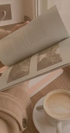 52 trendy Ideas aesthetic wallpaper pastel peach The Effective Pictures We Offer You About aesth Peach Aesthetic, Brown Aesthetic, Korean Aesthetic, Aesthetic Images, Aesthetic Vintage, Aesthetic Art, Pastell Wallpaper, Peach Wallpaper, Brown Wallpaper