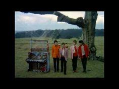 The Beatles - Strawberry Fields Forever [Official Video] [HD] voorloper videoclip. Cinematografisch verhaal