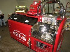 American Restoration job want want want Coca Cola Poster, Pepsi Cola, American Restoration, Coca Cola Kitchen, Coca Cola Decor, Coca Cola Santa, Vintage Coke, Vintage Signs, Always Coca Cola