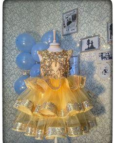 Фотография Kid Dresses, Grandkids, Ceiling Lights, Costumes, Decor, Girls Fashion Clothes, Fashion For Girls, Wonder Woman, Meet