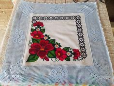 Christmas Cross, Filet Crochet, Cross Stitch, Floral, Diy, Crochet Bow Ties, Crochet Edgings, Softies, Towels