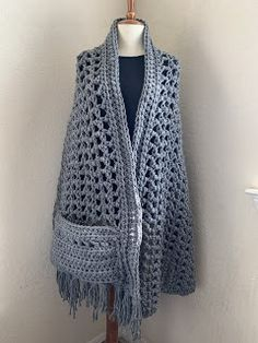 Crochet Wrap Shawl Crochet Hooded Scarf, Crochet Scarves, Crochet Clothes, Crochet Hooks, Crochet Baby, Knit Crochet, Crochet Stitches, Crochet Prayer Shawls, Crochet Shawls And Wraps