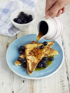 Never settle for sad, soggy slices again - you've been making French toast wrong all along. How to make the best French toast. Perfect French Toast, French Bread French Toast, Blueberry French Toast, Breakfast Dishes, Best Breakfast, Breakfast Recipes, Breakfast Time, Breakfast Ideas, Brunch Dishes