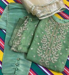 Designer Punjabi Suits, Indian Designer Wear, Pakistani Dresses Casual, Indian Dresses, Indian Bridal Outfits, Embroidery Suits, Desi Clothes, Indian Attire, Stylish Dresses