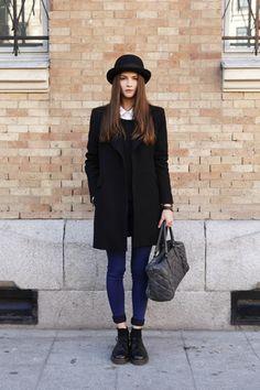 Alba Galocha- love the bowler hat! Dr. Martens, Casual Chic, Men Casual, Girl Fashion, Fashion Outfits, Womens Fashion, Style Fashion, Mode Outfits, Female Fashion