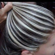 29 Grey Hair with Blonde Highlights – Übergangsfrisuren Hair Highlights And Lowlights, Hair Color Highlights, Ombre Hair Color, Silver Highlights, Hair Colors, Platinum Highlights, Silver Ombre Short Hair, Silver Hair, Frosted Hair