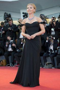 Na Versace você encontra o vestido da Scarlett Johansson
