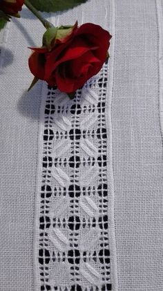 Asuman Karagöz's media content and analytics Hardanger Embroidery, Silk Ribbon Embroidery, Embroidery Needles, White Embroidery, Hand Embroidery Videos, Drawn Thread, Quick Crochet, Embroidery Fashion, Irish Lace