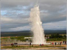 De Strokkur, de 2e Geyser. (gemaakt in Rondom Reykjavik) Rondom, Waterfall, Outdoor, Europe, Pictures, Outdoors, Waterfalls, Outdoor Games