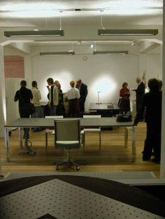 d-CONCRETE DARK / design / lighting / darling #DARK Concrete, Conference Room, Desk, Lighting, Table, Furniture, Home Decor, Desktop, Meeting Rooms