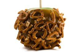 ... to make these gooey caramel apples #chocolate #caramel #apple #pretzel