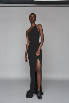 Discover the full Solace London collection of dresses with brand exclusives online now. Shop midi dresses, maxi dresses and gowns with UK next day or express global shipping. Elegant Dresses, Cute Dresses, Beautiful Dresses, Prom Dresses, Formal Dresses, Black Women Fashion, Look Fashion, Fashion Design, Womens Fashion