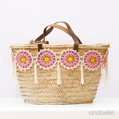 Customized summer bag with crochet motifs, free pattern by Anabelia Craft Design - Bolsos - Crochet Shell Stitch, Crochet Motif, Bead Crochet, Crochet Flowers, Crochet Trim, Crochet Handbags, Crochet Purses, Crochet Bags, Crochet Stitches
