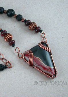 Peru agate wire wrapped necklace by Tela Formosa.