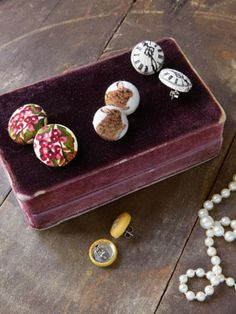 DIY button earrings - so many fabrics you could use!   #handmade #jewelry