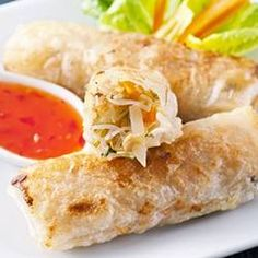 Lumpia - a non-traditional twist on this delicious Filipino snack! Great Recipes, Vegan Recipes, Cooking Recipes, Favorite Recipes, Vegan Meals, Healthy Rolls, Vegan Spring Rolls, Lumpia, Filipino Recipes