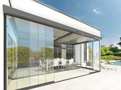 Met het Harol SF20 glazen schuifwandsysteem zet je de wind buitenspel: voluit genieten van de zon dus, en dat in elk seizoen! Apartment Balcony Decorating, Apartment Balconies, Roof Design, House Design, Garden Design, Pergola Patio, Gazebo, Outdoor Bbq Kitchen, Sliding Doors