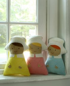 Wee Wonderfuls 24 Dolls to Sew and Love