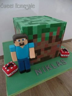 Minecraft Torte Fondant cake with Steve and TNT