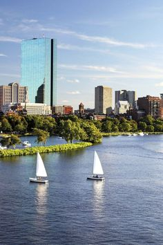 What to Do in Boston: The Perfect 3-Day Itinerary - Small town charm meets big city hustle in this New England capital. Boston is choc-a-block with historic landmarks, killer Italian eateries, topnotch shopping, and quaint cobblestoned streets. Here's your ultimate weekend guide.